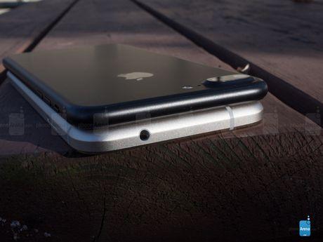Google Pixel XL lieu co xung voi iPhone 7 Plus - Anh 9