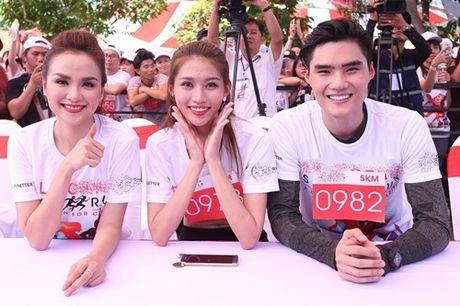 Pham Huong, Le Hang tham met vi chay dua duoi nang - Anh 10