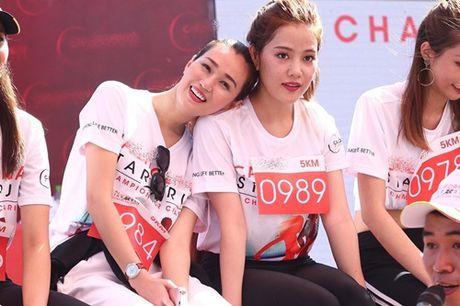 Pham Huong, Le Hang tham met vi chay dua duoi nang - Anh 2