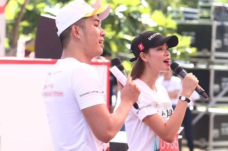 Pham Huong, Le Hang tham met vi chay dua duoi nang - Anh 4
