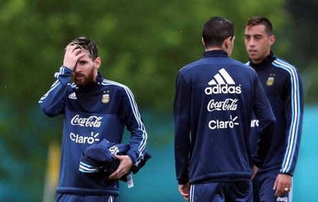Messi cung tuyen Argentina doi mua tap luyen hong niu hy vong World Cup - Anh 6