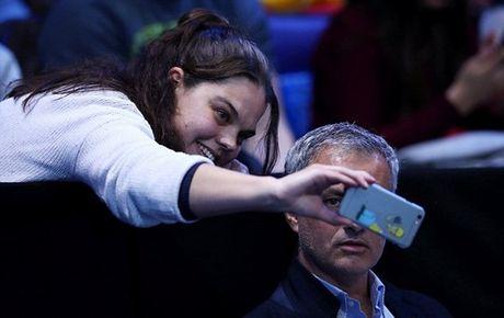 Xem quan vot giai khuay, Mourinho to ra than thiet voi Pique - Anh 3