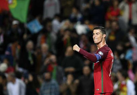 Lap cu dup, Ronaldo sanh ngang huyen thoai Gerd Mueller - Anh 1