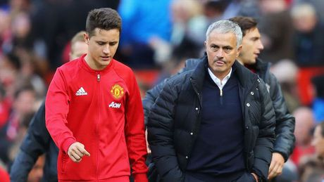 Mourinho thich tan cong hon 'dung xe bus' - Anh 1