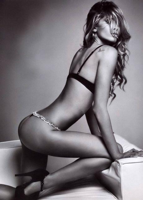 Elena Santarelli - nang WAGs thich trut xiem y - Anh 6