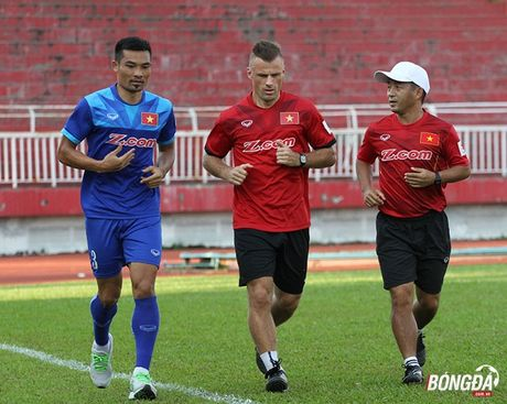DT Viet Nam truoc them AFF Cup 2016: Tim hy vong tu cac cuu binh - Anh 2