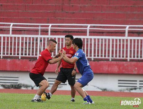 Thay tro Huu Thang luyen bai tu truoc khi len duong tham du AFF Cup 2016 - Anh 11