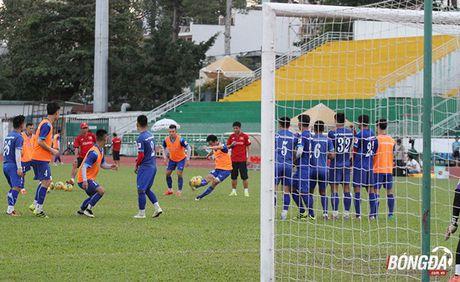Thay tro Huu Thang luyen bai tu truoc khi len duong tham du AFF Cup 2016 - Anh 1