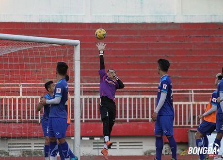 Thay tro Huu Thang luyen bai tu truoc khi len duong tham du AFF Cup 2016 - Anh 5