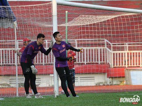 Thay tro Huu Thang luyen bai tu truoc khi len duong tham du AFF Cup 2016 - Anh 8