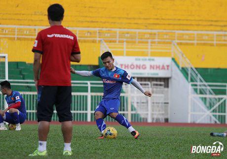 Thay tro Huu Thang luyen bai tu truoc khi len duong tham du AFF Cup 2016 - Anh 9