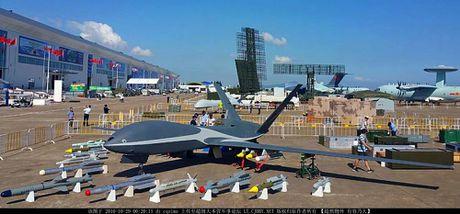 Den UAV Avenger cung bi nhai, My bo tay voi Trung Quoc - Anh 10