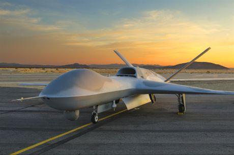 Den UAV Avenger cung bi nhai, My bo tay voi Trung Quoc - Anh 2