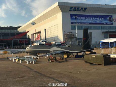 Den UAV Avenger cung bi nhai, My bo tay voi Trung Quoc - Anh 7