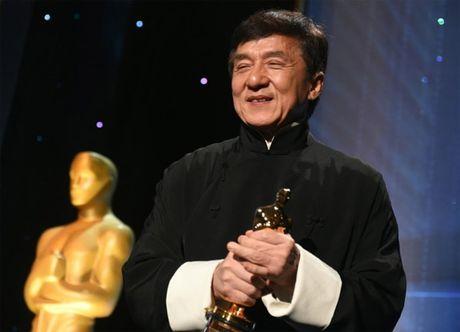 Sau gan 60 nam, Thanh Long moi duoc nhan giai Oscar - Anh 2