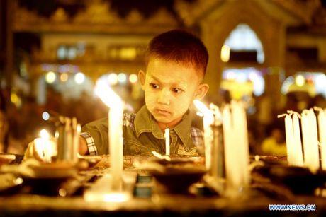 Kham pha le hoi anh sang truyen thong o Myanmar - Anh 2