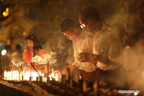 Kham pha le hoi anh sang truyen thong o Myanmar - Anh 5