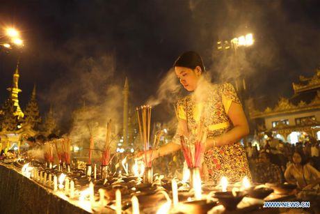 Kham pha le hoi anh sang truyen thong o Myanmar - Anh 8
