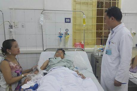 Thanh nien 18 tuoi bi dam thau nguc nghi do ghen tuong - Anh 1