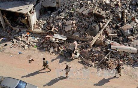 Luc luong khung bo tai Aleppo co 24 gio de dau hang - Anh 1