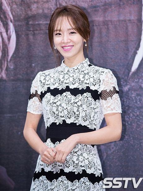 'Nguoi ca' Jun Ji Hyun bi che mac xau - Anh 11