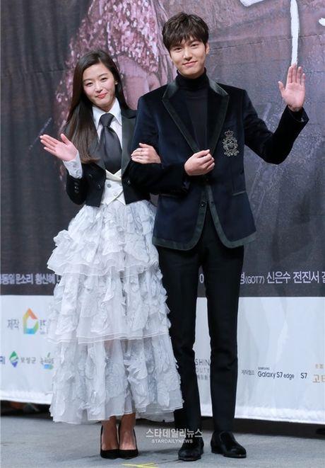 'Nguoi ca' Jun Ji Hyun bi che mac xau - Anh 1