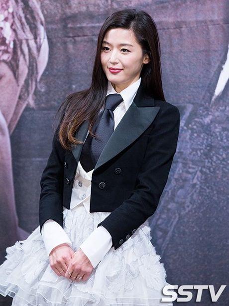 'Nguoi ca' Jun Ji Hyun bi che mac xau - Anh 4