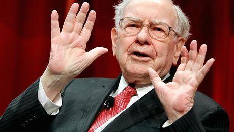 Warren Buffett chuyen thai do, keu goi ung ho Donald Trump - Anh 1