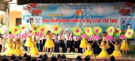 Truong Tieu hoc An Thang: To chuc Chuyen de An toan giao thong - Anh 1