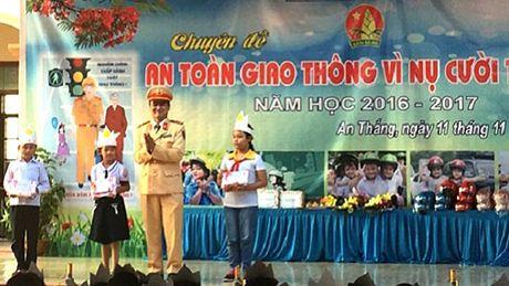 Truong Tieu hoc An Thang: To chuc Chuyen de An toan giao thong - Anh 3