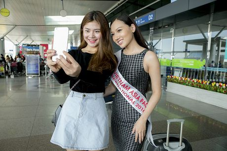 Hoc tro Ha Ho ra tan san bay tien Hoang Thu Thao du Hoa hau Chau A Thai Binh Duong 2016 - Anh 18