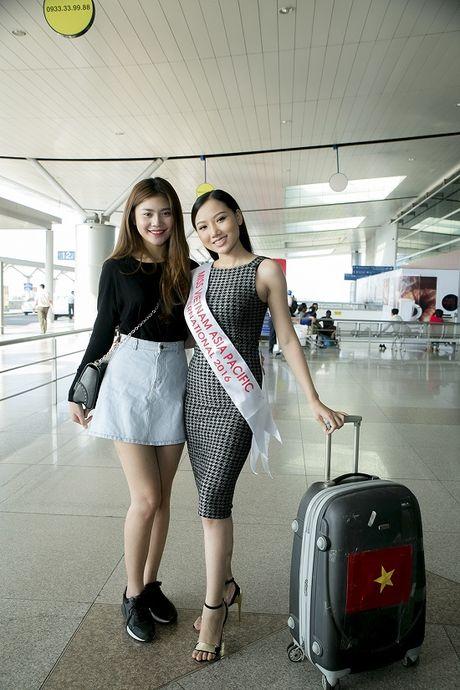 Hoc tro Ha Ho ra tan san bay tien Hoang Thu Thao du Hoa hau Chau A Thai Binh Duong 2016 - Anh 1