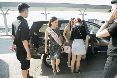 Hoc tro Ha Ho ra tan san bay tien Hoang Thu Thao du Hoa hau Chau A Thai Binh Duong 2016 - Anh 4