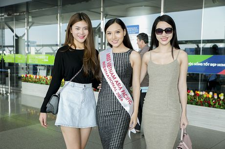 Hoc tro Ha Ho ra tan san bay tien Hoang Thu Thao du Hoa hau Chau A Thai Binh Duong 2016 - Anh 6