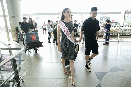 Hoc tro Ha Ho ra tan san bay tien Hoang Thu Thao du Hoa hau Chau A Thai Binh Duong 2016 - Anh 8