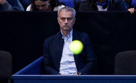Tennis 24/7: Mourinho ngoi canh Pique xem ATP Finals - Anh 1