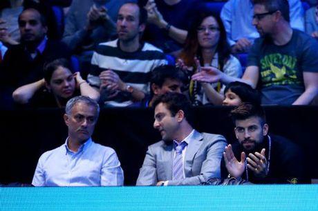 Tennis 24/7: Mourinho ngoi canh Pique xem ATP Finals - Anh 2