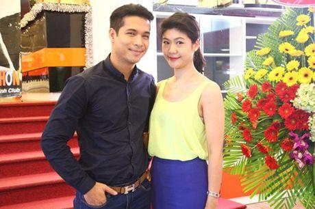 Ban gai cu co truong phan phao Truong The Vinh vi 'dat dieu' - Anh 2
