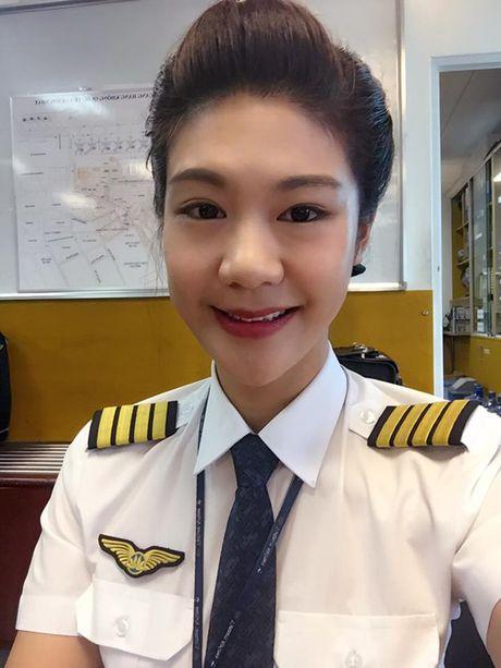 Ban gai cu co truong phan phao Truong The Vinh vi 'dat dieu' - Anh 4