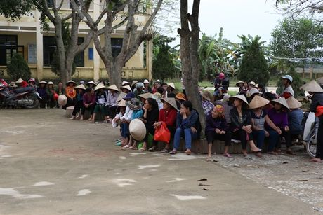 MC Phan Anh tro lai mien Trung, du kien lam be boi di dong cho hoc sinh vung lu - Anh 4
