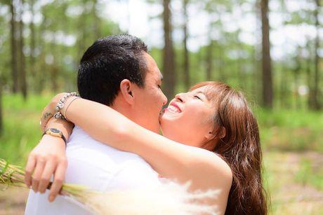 Chan dung ban trai moi cua MC Hoang Linh - Anh 8