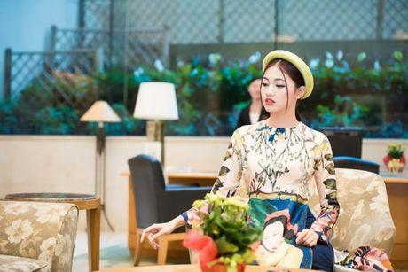 A hau Thanh Tu thoi mien moi anh nhin khi dien ao dai cach tan - Anh 5