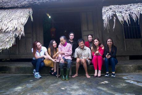 Nguoi dan Ha Tinh cam dong truoc tam long cua cac Hoa Hau Phu Nhan - Anh 12