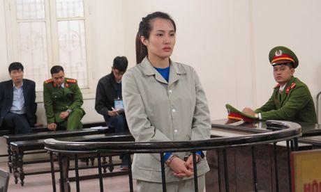 Thieu phu to bi tinh dich dat bay lua xach heroin - Anh 1