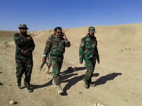 Quan doi Syria tan cong manh phien quan IS o Deir ez Zor - Anh 1
