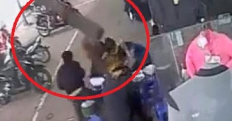 Ha Noi: Thoat nan trong gang tac khi bi vat the la tu 'tren troi roi xuong' - Anh 1