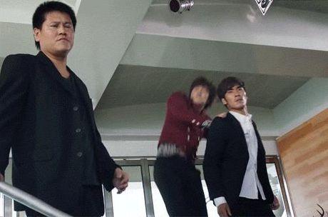 Dep trai chua du, Lee Min Ho con chung minh kha nang dien xuat khong kem ai! - Anh 7