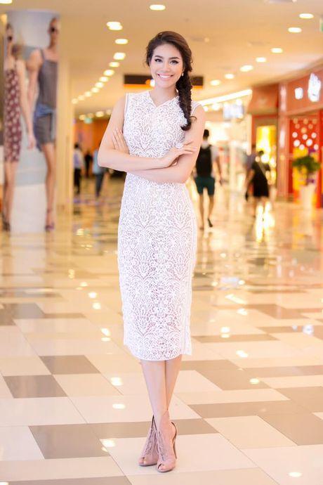 Pham Huong - 'Nu hoang' vay trang cua showbiz Viet - Anh 2