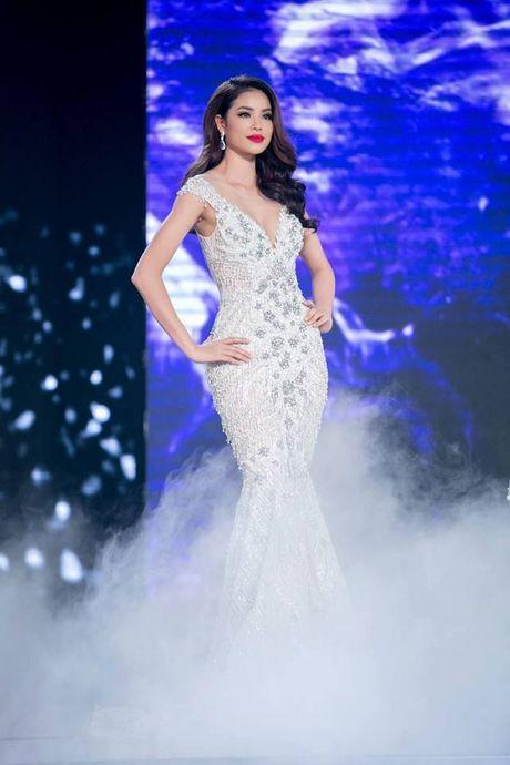 Pham Huong - 'Nu hoang' vay trang cua showbiz Viet - Anh 8