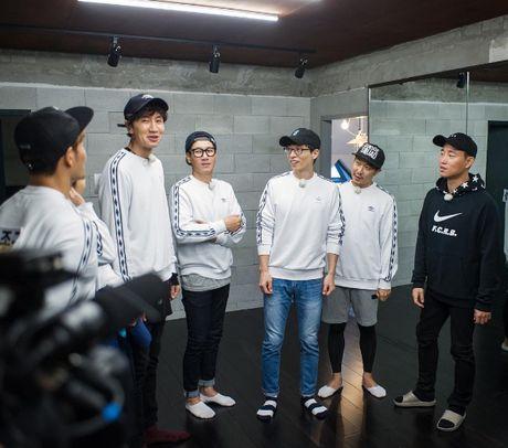 Running Man: Say xin nhan nham may, Ji Hyo de lo tin nhan tinh cam danh cho Gary - Anh 3